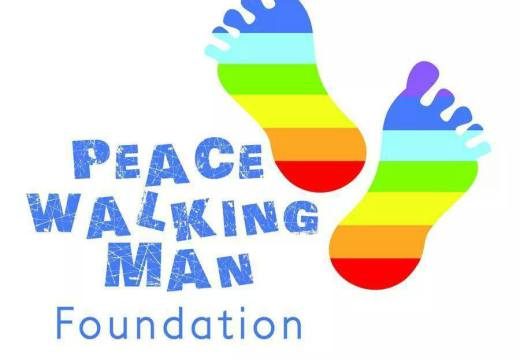 "Marcia ""Reggio Emilia – Helsinki"" incontro a Trieste con the Peace Walking Man"